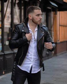 Biker Jacket Outfit, Black Leather Biker Jacket, Leather Jacket Outfits, Jacket Men, Mode Grease, Greaser Style, Leather Jeans Men, Mens Outdoor Jackets, Portraits