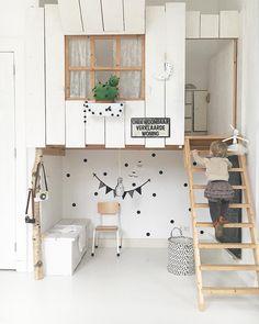 New project: a small indoor playhouse! – Chris loves Julia Source by belloefelice Girl Bedroom Designs, Kids Bedroom, Bedroom Decor, Bedroom Bed, Bedroom Furniture, Kids Room Design, Home Design, Bed Design, Ideas Decorar Habitacion