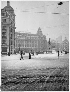 Bucharest Romania, Concorde, Time Travel, Vintage Photos, Louvre, Memories, Paris, Country, Building