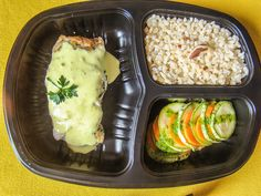 Yes Food Brasil - Linha SPA 380gr - Filé de peixe com leite de coco e curry; arroz cateto integral com castanhas; mil folha de legumes com azeite de ervas.