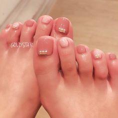 オールシーズン/オフィス/デート/女子会/フット - goldstar_nailのネイルデザイン[No.2700544]|ネイルブック