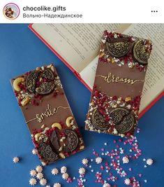 Chocolate Showpiece, Dark Chocolate Truffles, Chocolate Sweets, Chocolate Gifts, Chocolate Covered Strawberries, Homemade Chocolate Bars, Homemade Desserts, Pineapple Gifts, Heart Shaped Cakes