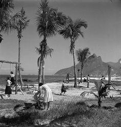 Praia e Morro Dois Irmãos Jean Manzon, cira 1940