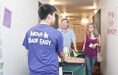 Students helping with move-in day