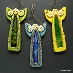 Aniołki ze szkłem--could be shaped in clay, glazed and fired, and used as a n element in a mosaic, Ceramics Projects, Clay Projects, Clay Crafts, Thema Deco, Pottery Angels, Clay Angel, Christmas Clay, Xmas, Kids Clay