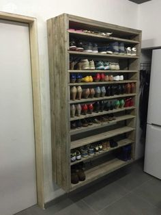 Nice 43 Easy and Impressive DIY Shelves for Storage at Home https://toparchitecture.net/2017/12/04/43-easy-impressive-diy-shelves-storage-home/