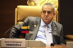 """<p id=""""obi_random_banners_posts"""" class=""""obi_random_banners_posts""""><p>Please enter banners and links.</p></p><p>El ministro de Petróleo de Venezuela, Eulogio Del Pino, indicó hoy que la decisión tomada por la Organización de Países Exportadores de Petróleo (OPEP) de recortar la producción """"permitirá rescatar la estabilidad de los precios para mantener las inversiones que requiere la industria"""".</p>"""