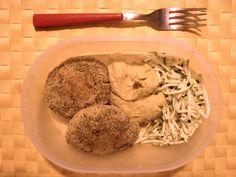 #Schiscetta - Medaglioni di #spinaci e #legumi con #hummus di #ceci e #zucchine a julienne