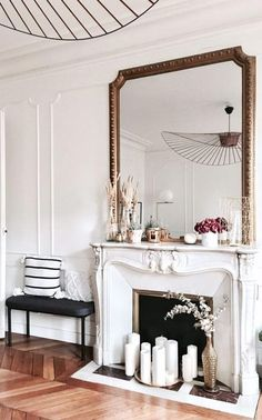 Paris Living Rooms, Home Living Room, Living Room Decor, Bedroom Decor, French Living Rooms, Paris Home Decor, Parisian Decor, Chimney Decor, Objet Deco Design