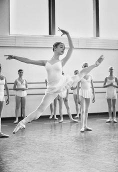Epitome of grace • photo: School of American Ballet via Maria Doval Ballet on Wordpress #dance #ballet #ballerina