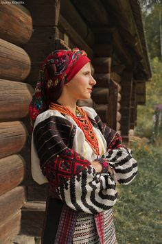 Ukrainian- 3 different patterns on the sleeves