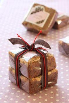 「バレンタインラッピング ブラウニーのラッピング」お菓子教室SweetRibbonが提案する簡単かわいいお菓子ラッピング | お菓子・パンのレシピや作り方【corecle*コレクル】