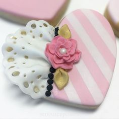 "One of my most favorite cookies ever! Delicately feminine yet bold and whimsical. Sooo ""modern romantic""! Swoon!!!"