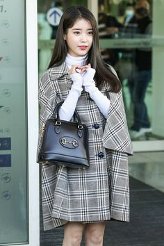 IU 200218 Incheon Airport to Italy for Gucci Fashion Show Kpop Fashion Outfits, Gucci Fashion, Fashion Tag, Korean Outfits, Chic Outfits, Daily Fashion, Girl Outfits, Fashion Show, Korean Actresses