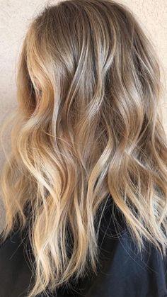 Honey Blonde Hair, Blonde Hair Looks, Blonde Hair With Highlights, Natural Blonde Balayage, Honey Balayage, Natural Balyage, Medium Blonde Hair Color, Neutral Blonde Hair, Balayage Hair Blonde Medium