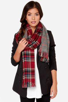 Mixed Prints Scarf: Plaid + Houndstooth. Love this especially because mixing prints is one of the hottest new trends for Fall!