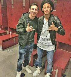 Messi Y Neymar, Lionel Messi, God Of Football, Football Players, Fc Barcelona, American Football, Bomber Jacket, Soccer, Goat
