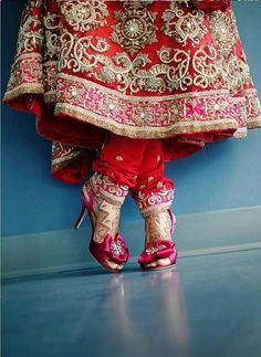 dulhan indian pakistani bollywood bride desi wedding henna mehndi lehnga