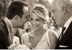 Chic καλοκαιρινός γάμος Ιάκωβος&Καρολίνα. Ο Ιάκωβος και η Καρολίνα ένα ερωτευμένο ζευγάρι, αντάλλαξαν όρκους αιώνιας πίστης και ο γάμος τους αποθανατίστηκε από το φακό του Babis Tsoukias. Greek Wedding, Wedding Ideas, Couple Photos, Chic, Couples, Wedding Dresses, Fashion, Couple Shots, Shabby Chic