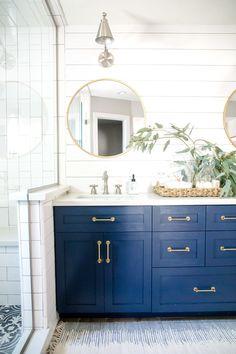50 Ideas farmhouse bathroom navy vanity for 2019 - Modern Blue Bathroom Vanity, Navy Blue Bathrooms, Blue Vanity, Bathroom Vanity Cabinets, Boho Bathroom, Bathroom Vanity Lighting, Master Bathroom, Shower Cabinets, Master Baths
