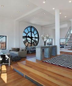 Brooklyn ikonik Saat Kulesi olarak bilinen binadaki kule daire bedeli 18.000.000$ olarak açıklandı. Kulede bulunan saatin dairenin iç tasarımına çok farklı bir etki katmaktadır.