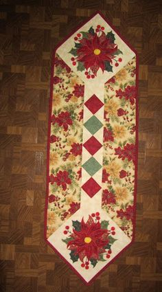 Christmas table runner--pattern from Art of the Quilt