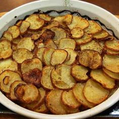 Potatoes Anna Recipe, Better Than French Fries Crispy Potatoes, Sliced Potatoes, Potatoes Anna, Potato Recipes, Snack Recipes, A Food, Food And Drink, French Fries Recipe, How To Make Potatoes