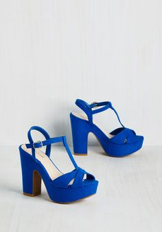 Stopped Bold in Its Tracks Heel in Blueberry. You envisioned long, confident strides in these cobalt peep toes. #blue #modcloth