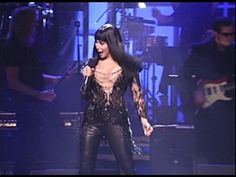 "Cher - ""If I Could Turn Back Time"" Live Concert in ""VH1 Divas Honors"" from New York's Beacon Theatre 1999....WOW!!"