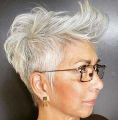 Tapered Gray Pixie Over 50 Hair goals Short Haircut Styles, Short Pixie Haircuts, Pixie Hairstyles, Black Hairstyles, Classy Hairstyles, Curly Haircuts, Latest Hairstyles, Haircut For Older Women, Older Women Hairstyles