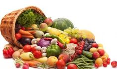 Try to eat more fruits and veggies. Even if fruits and vegetables isn't some of your favourite foods, try to incorporate at least a few of them into your diet each day. Whole Food Recipes, Diet Recipes, Vegan Recipes, Vegan Food, Raw Food, Vegetarian Food, Raw Vegan, Fruits And Vegetables, Veggies