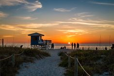 Amazing Sunsets happen on Florida's west coast Visit Venice Beach, Florida! Venice Beach Florida, Florida Beaches, Nokomis Beach, Kid Friendly Vacations, Enjoy Your Vacation, Destination Wedding Locations, Venice Travel, Amazing Sunsets, Vacation Resorts