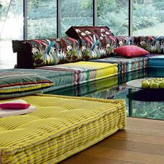 And this, my friends, is my dream couch. I will begin saving for this gem immediately. I love Roche Bobois