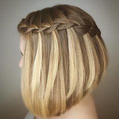 Sometimes you cannot help to stop and stare, here is a good example of just that, how pretty does this braided hair look? WaterFall Braid on a Bob, Stylist Ginger from @vanmichaelsalon is known for her styling and never disappoints To have your hair featured please tag @bobbedhaircuts #waterfallbraid #vanmichaelsalon #vanmichaelmidtown #vanmichaelbride #bob #haircolor #cutandcolor #hairstyle #haired #bobcut #bobbedhair #bobhairstyle #bobme #bobfordays #ilovebobs #ilovehair…