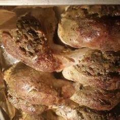 Töltött csirkecomb | Eva Firnigel receptje - Cookpad receptek Bacon, Pork, Beef, Recipes, Kale Stir Fry, Meat, Ripped Recipes, Pork Chops