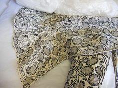 elizabethan jacket; gusset over hip; bath museum of fashion;