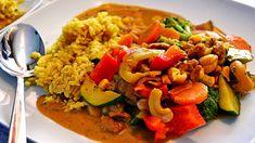 Zeleninová panvica s arašidovým maslom Risotto, Grains, Rice, Ethnic Recipes, Food, Essen, Meals, Seeds, Yemek