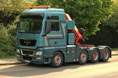 MAN TGX 41.540 Sattelzugmaschine mit Palfinger Kranaufbau am 21.04.2014 in Aachen.