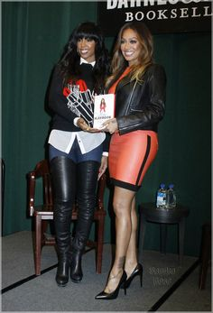 """Book on Love : Lala with Kelly Rowland @booksigning """"The Love Playbook""""- Lala in Rag&Bone"""