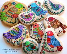 All details finished also for this new collection of my #paintedstone birds They are available also on my Etsy shop. Now making some owls, for orders and for next update of my shop and i have still a lot of things to do, busy but happy Have a colorful week!