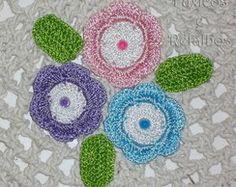 Tapete de Barbante com Flores de Crochê