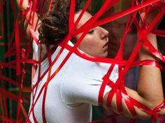 """Em """"Sem título"""", a apresentação inverte os papeis entre público e dançarinos. O projeto faz parte da edição de agosto do """"Dança no MIS"""" e acontece no sábado, 24."""