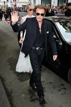 Johnny Hallyday et Laeticia Hallyday arrivant au défilé Christian Dior pendant la Fashion Week Haute Couture le 4 Juin 2016 à Paris Christian Dior, Christian Audigier, Marion Cotillard, Celine Dion, Johnny Haliday, Star Wars, Laetitia, World Music, Dame