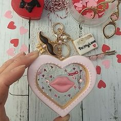 #http://ameblo.jp/s-sweets-10/ Handmade all /fake sweets / resinclay accessory 大きめハートのグラスクッキーは真ん中のキャンディーにみたてたレジンが透明感が美しく綺麗ですかわいいハートやキラキラがたくさん入っています。 またマスタッシュのクッキーpops とクラッチバッグのラブレターがキュートなデザインです 全て取り外してアクセサリーとしてもお使い頂けます。 今日からメールボックスにてご連絡でオーダー受付します。よろしくお願いいたします。 My shop gallery/http://tetote-market.jp/creator/suzu/  @tetote_market  #sweetsdeco#instagramjapanシアター#fakesweets#accessory#bagcharm#valentine#love#cute#kawaii#yumekawa#heart#instagram#instavideo#likes#likesforlikes#follwme#follw#tok...