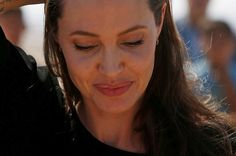 Zdjęcie numer 1 w galerii - Angelina Jolie POTWIERDZA rozwód. Jest pierwsze…