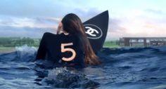 http://surf-report.co.uk/gisele-bundchen-stars-in-baz-luhrmann-chanel-no-5-surfing-advert-1790/