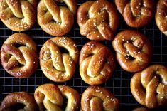 soft pretzels, refreshed – smitten kitchen Homemade Soft Pretzels, Pretzels Recipe, Homemade Breads, Appetizer Recipes, Snack Recipes, Cooking Recipes, Appetizers, Bread Recipes, Kitchen Recipes