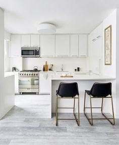 Uberlegen #trend   U003e Zanotta   Möbel / Tische   Comacina Tisch Zanotta   U003e U20ac 2808.00  // Check Out More   U003e Designwebstore.de | Interior Design | Pinterest
