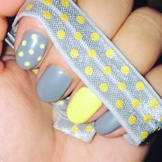 Grey and yellow polkadot Like us on Instagram! cerise1307 amaze_nails
