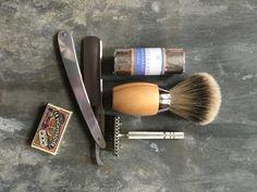 En god barbering kræver det rigtige udstyr. Du finder det hele hos os.